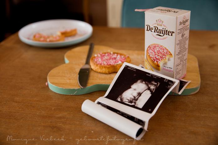 beschuit met muisjes echo kraamfotografie geboortefotograaf Utrecht geboortefotografie kraamreportage lifestyle
